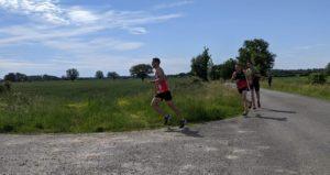Read more about the article 10 km de Teillé, 1500m de Mayenne et épreuves combinées internes, un week-end explosif !